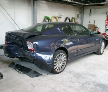 Exote__verunfallter_Maserati_Coupe